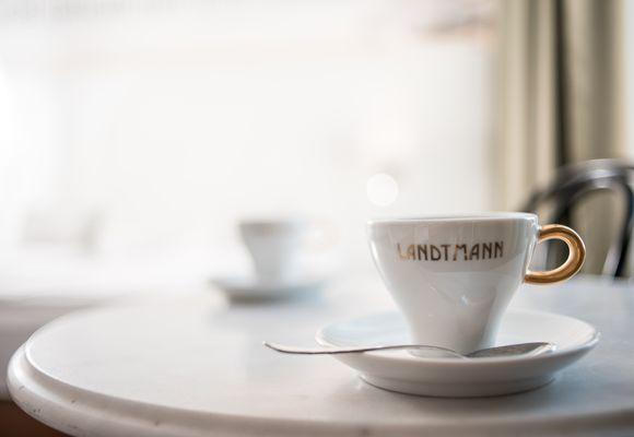 """""""Wiener Original"""" Cafe Landtmann"""