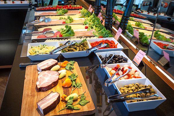 Wurst und Käse heimischer Produzenten